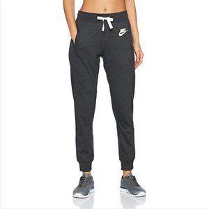 Nike | Classic Sweatpants Joggers in Gray